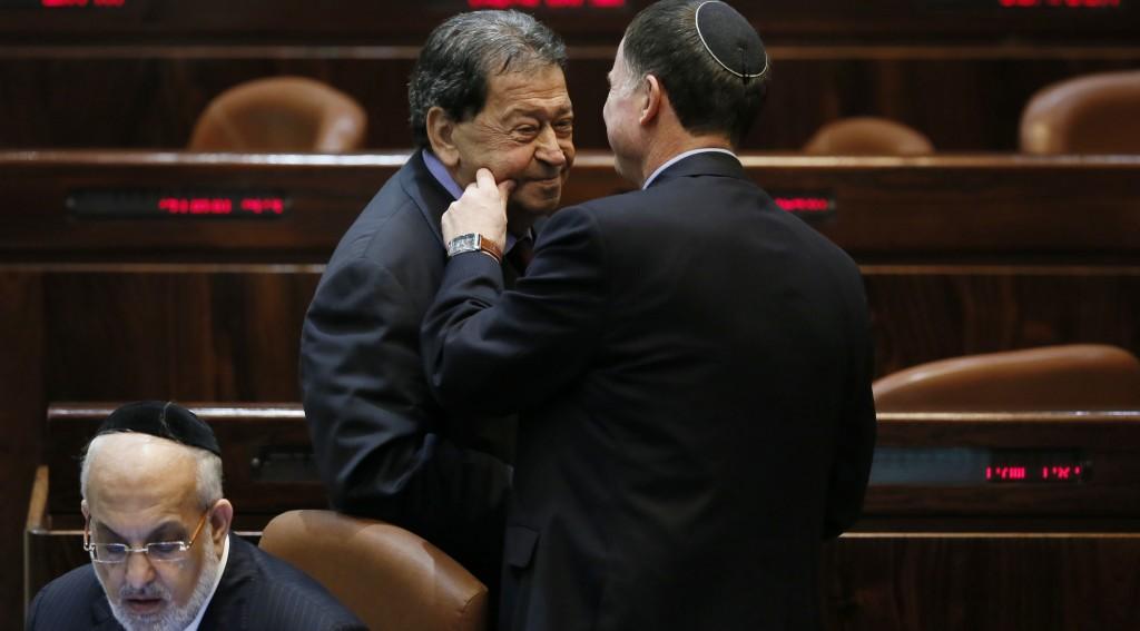 L-R (Standing): Temporary Knesset Speaker Binyamin Ben-Eliezer (Labor) and Likud MK Yuli Edelstein  at the Knesset on Wednesday.  (FLASH90)