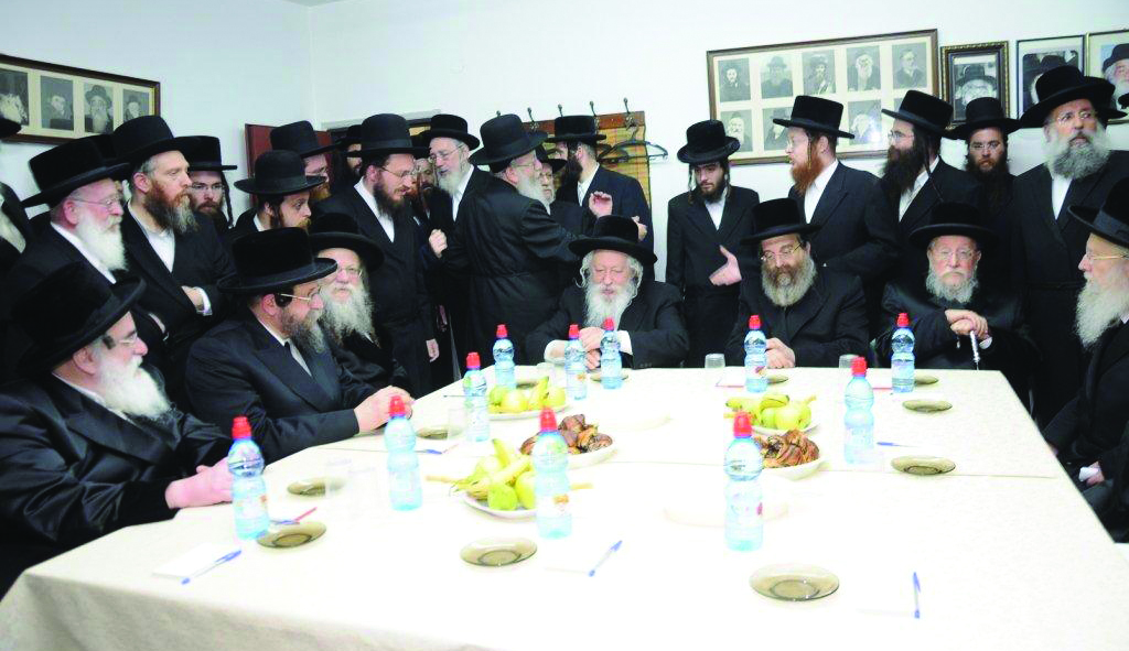 A partial view of the Gedolim, shlita, who attended the meeting of the Moetzes Gedolei HaTorah of Agudas Yisrael in Eretz Yisrael that took place on Sunday. (L-R:) Harav Mendel Hager, Vizhnitzer Rebbe; Boyaner Rebbe; Modzhitzer Rebbe, Gerrer Rebbe, Sadigura Rebbe; Biala Rebbe; and Slonimer Rebbe.