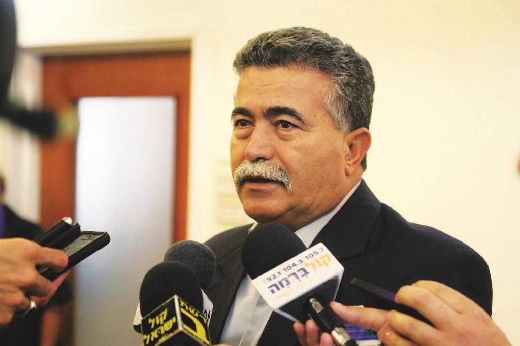 Minister of Environmental Affairs, Amir Peretz. (Marc Israel Sellem/POOL/Flash90)