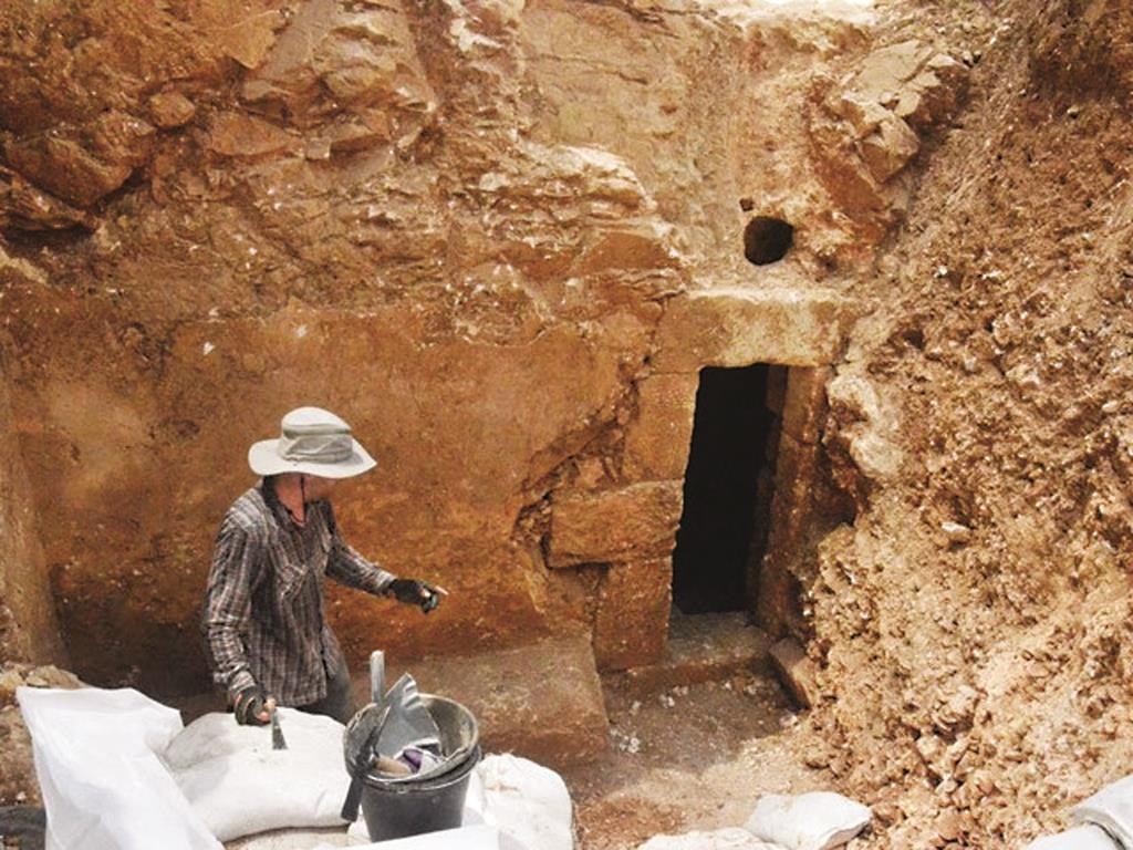 The front of the cave as exposed during the excavation. (Shai Halevy, courtesy Israel Antiquities Authority)