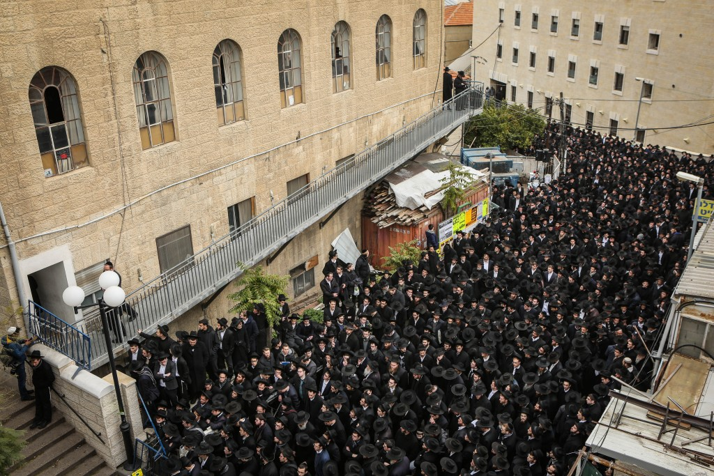 "Thousands attend the levayah of Hagaon Harav Refael Shmuelevitz zt""l outside Yeshivas Mir, Tuesday. (Flash90)"
