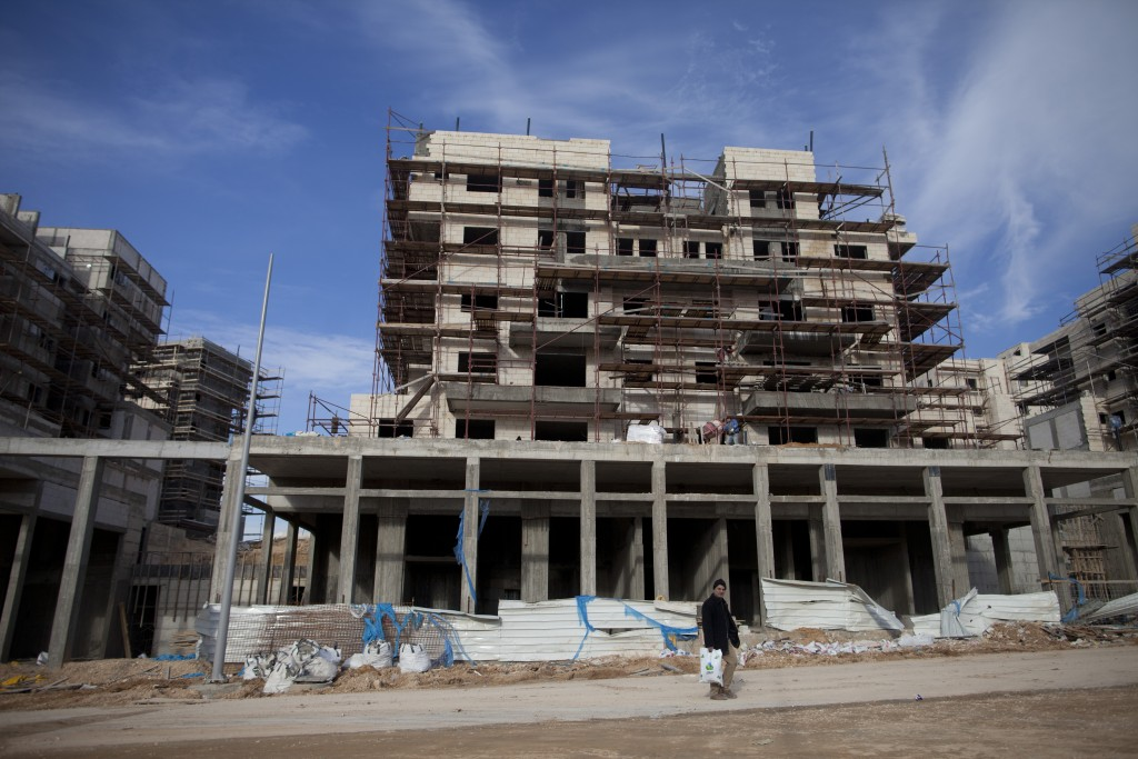 Construction of new residential buildings in the Northern Israeli city of Harish. Photo by Lior Mizrahi/Flash90