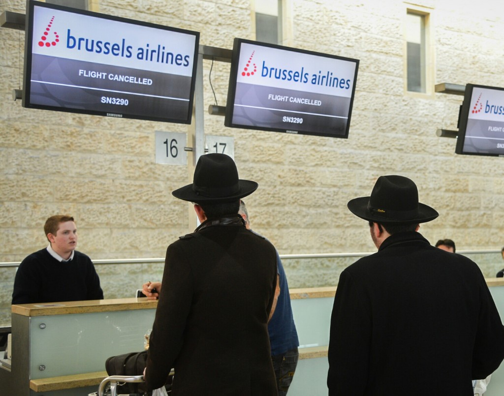 Brussels Airlines flights cancelled at the Ben Gurion International Airport following this morning's terror attack in Brussels, Belgium. At least 26 people were killed and many seriously injured in terrorist attacks at Brussels international airport and a city metro station. March 22, 2016. Photo by FLASH90 *** Local Caption *** שדה בריסל בלגיה פיגוע טיסה מטוס