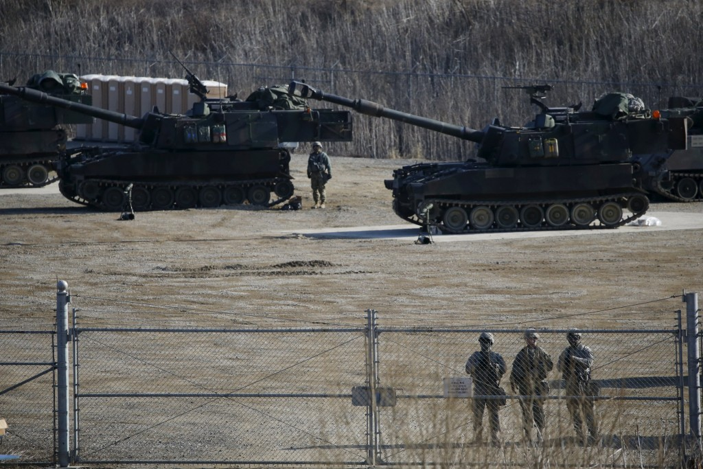 U.S. Army M109A6 Paladin self-propelled howitzers are seen during a military exercise in Pocheon, South Korea, March 10, 2016. REUTERS/Kim Hong-Ji