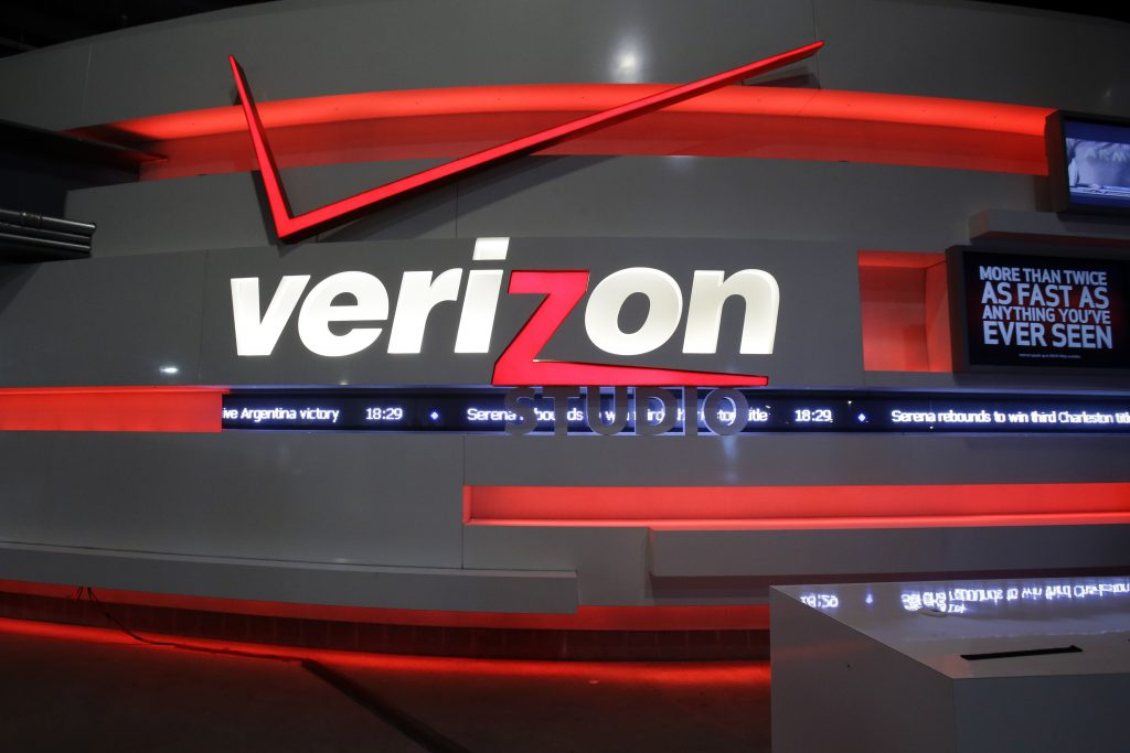 Verizon, Cellphone, Customers