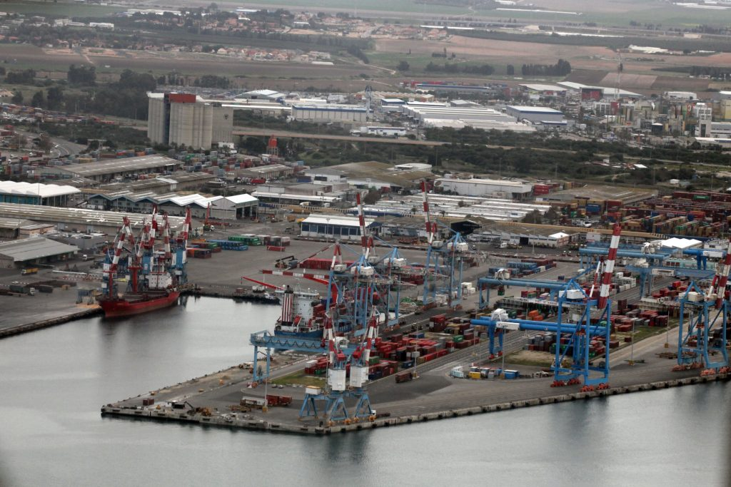 View of the Ashdod harbour. February 19, 2009. Photo by Yossi Zamir/Flash90 *** Local Caption *** ??? ????? ????? ?????