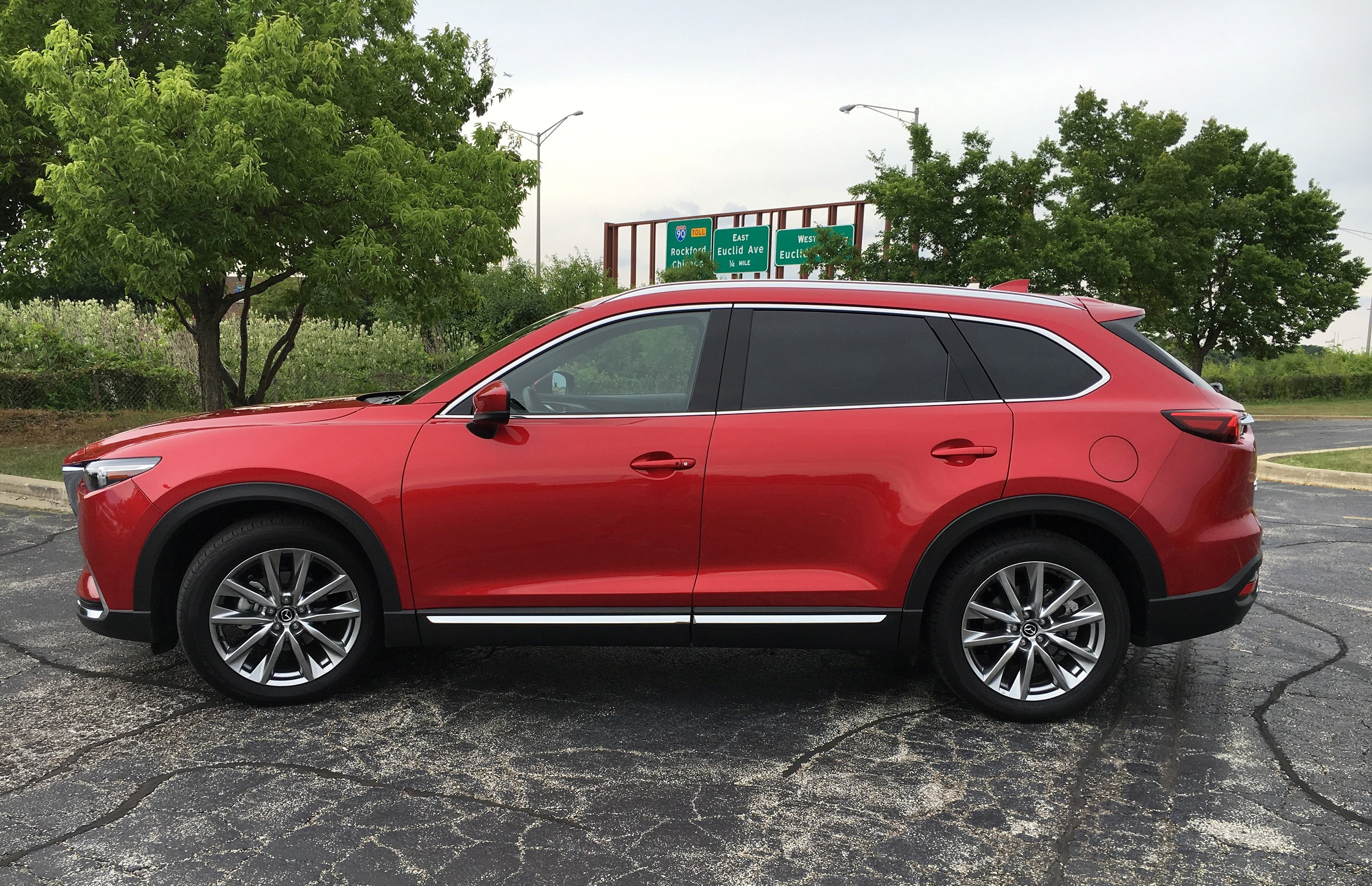 auto review 2016 mazda cx 9 crossover balances style with value power with economy hamodia. Black Bedroom Furniture Sets. Home Design Ideas