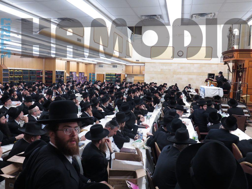 Kinus in Bais Medrash  Emunas Yisroel regarding the danger of technology. (JDN)