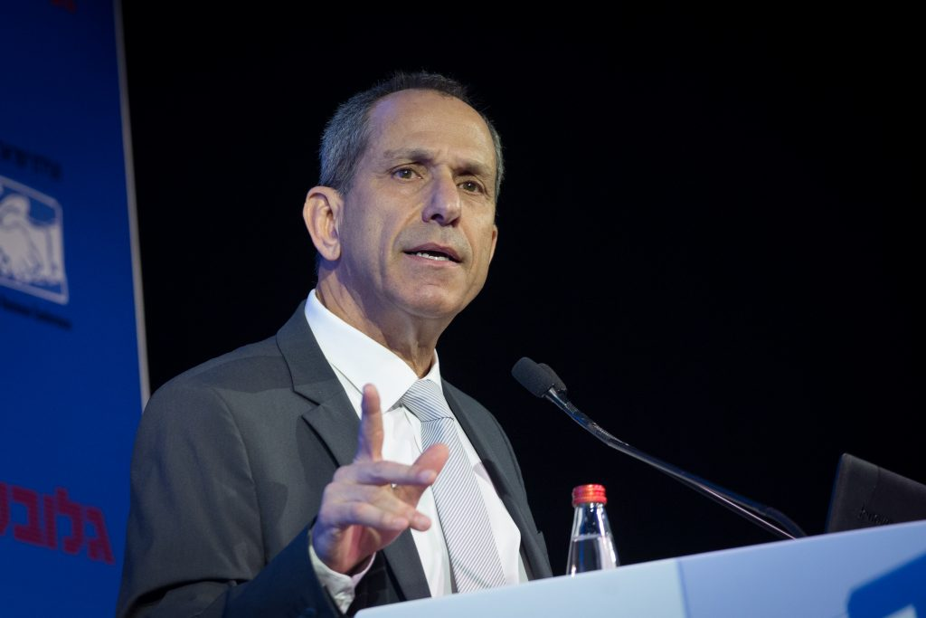 Prof. Shmuel Hauser, chairman of the Israeli Securities Authority, wants the power to ban binary options trading completely. (Miriam Alster/Flash90)