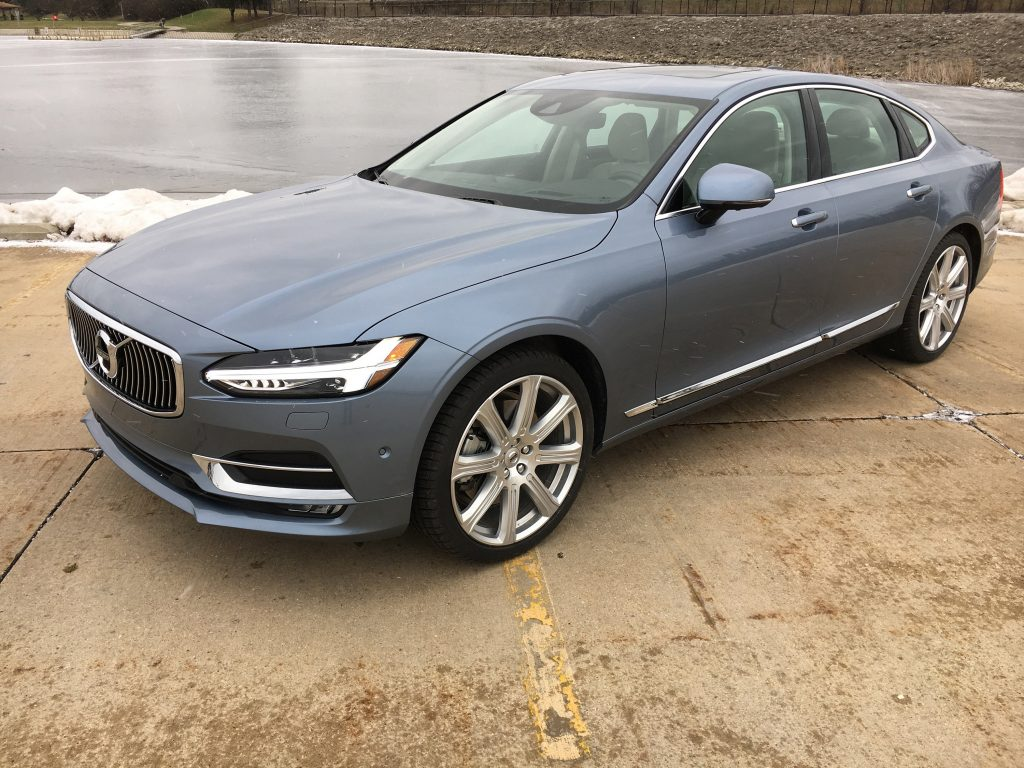 Auto review 2017 volvo s90 t6 sedan wears elegance with for Dip s luxury motors reviews