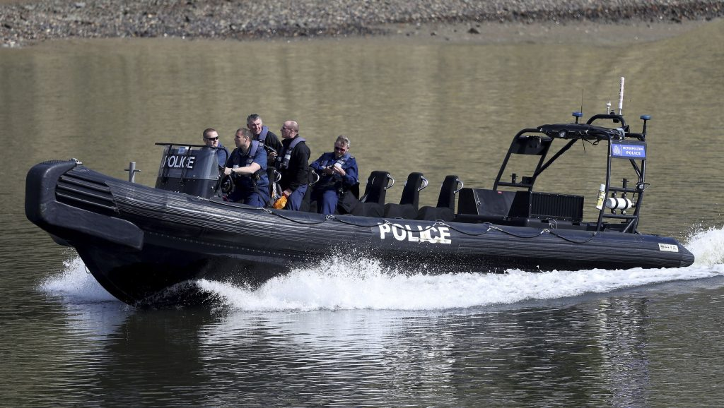 World War 2, World War II, U.K., England, UK, boat race, bomb, Thames, London