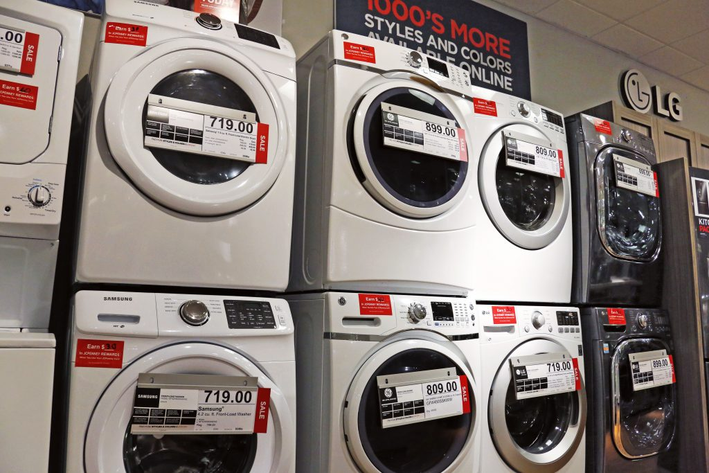 U.S. durable goods advance modest 0.7 percent in March