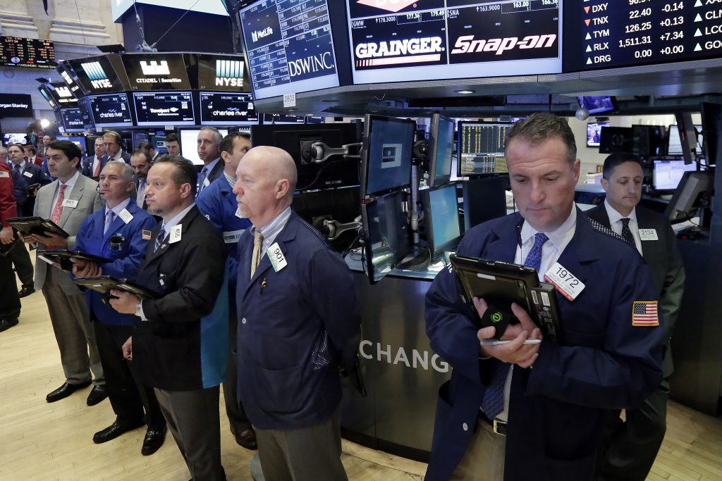 US Market Indexes Start the Week Higher