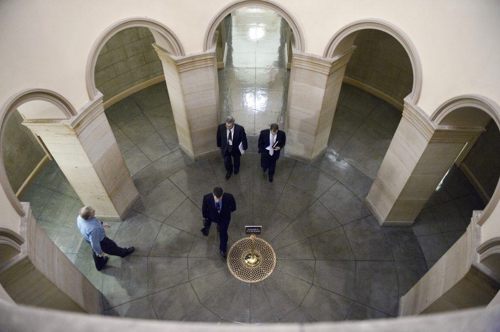 Senate suddenly bars reporters from filming senators in Capitol hallways