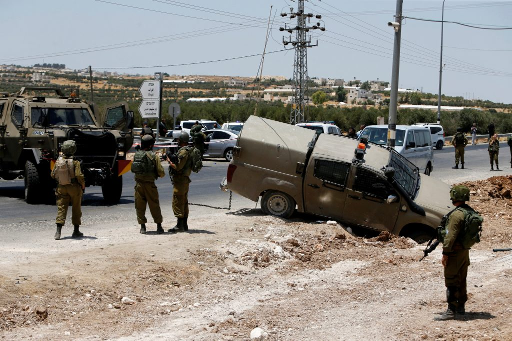 Palestinian terrorist killed while attempting to stab IDF soldiers