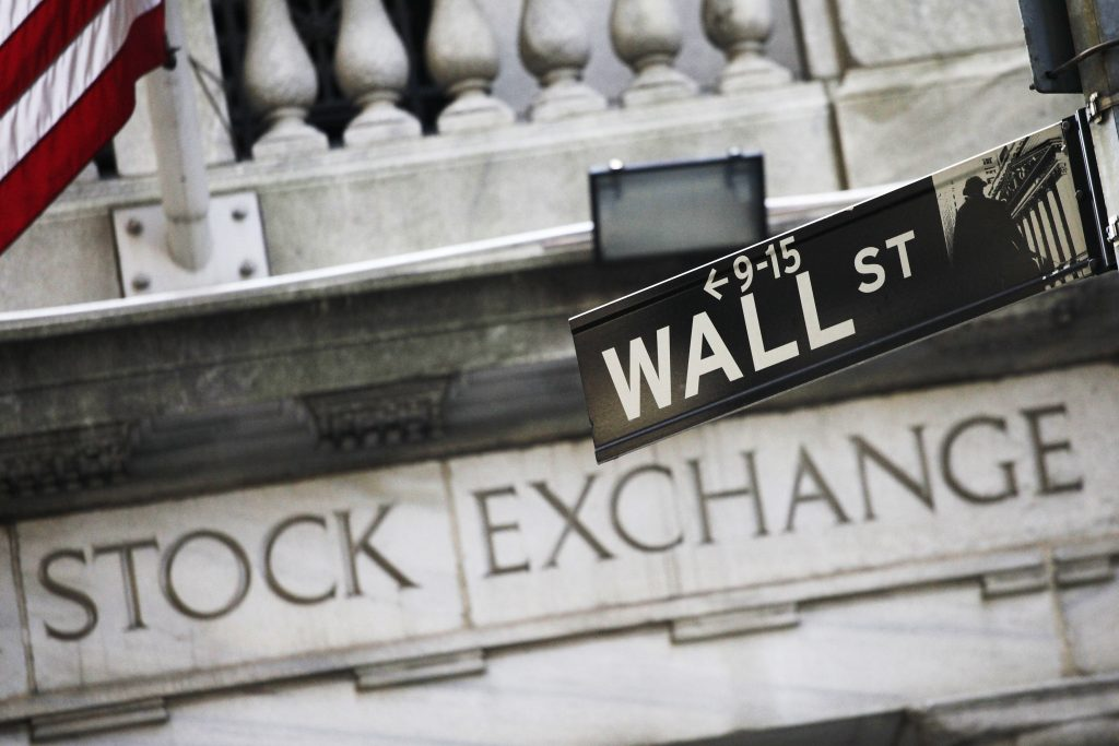 Markets Right Now: Banks, tech lead stocks slightly higher
