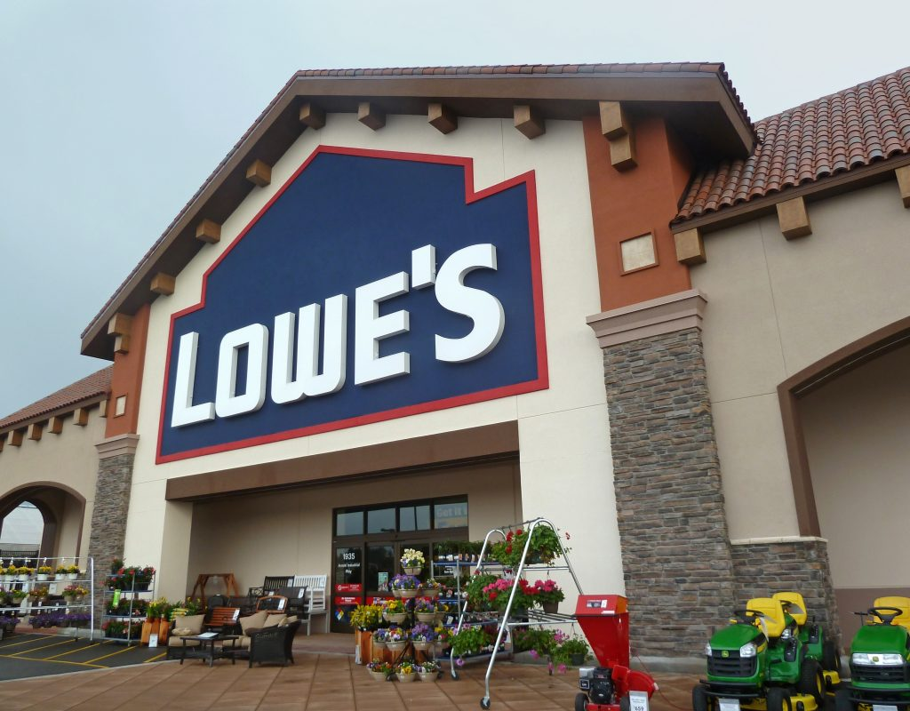 Lowe's Increases Both Earnings & Sales YOY in Q2