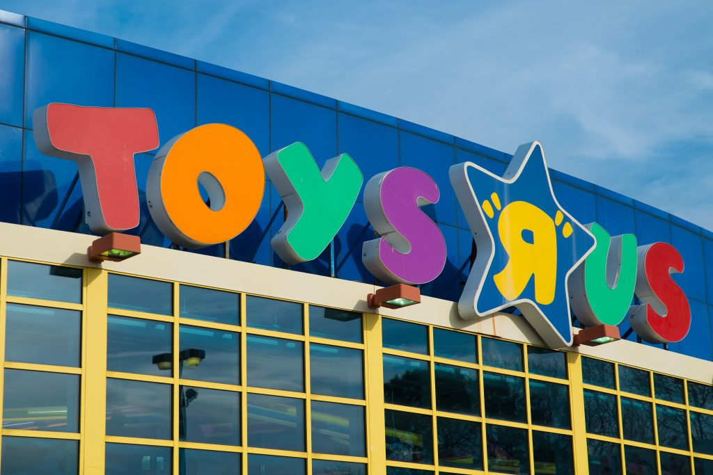 Amazon Blamed for Toys R Us Bankruptcy