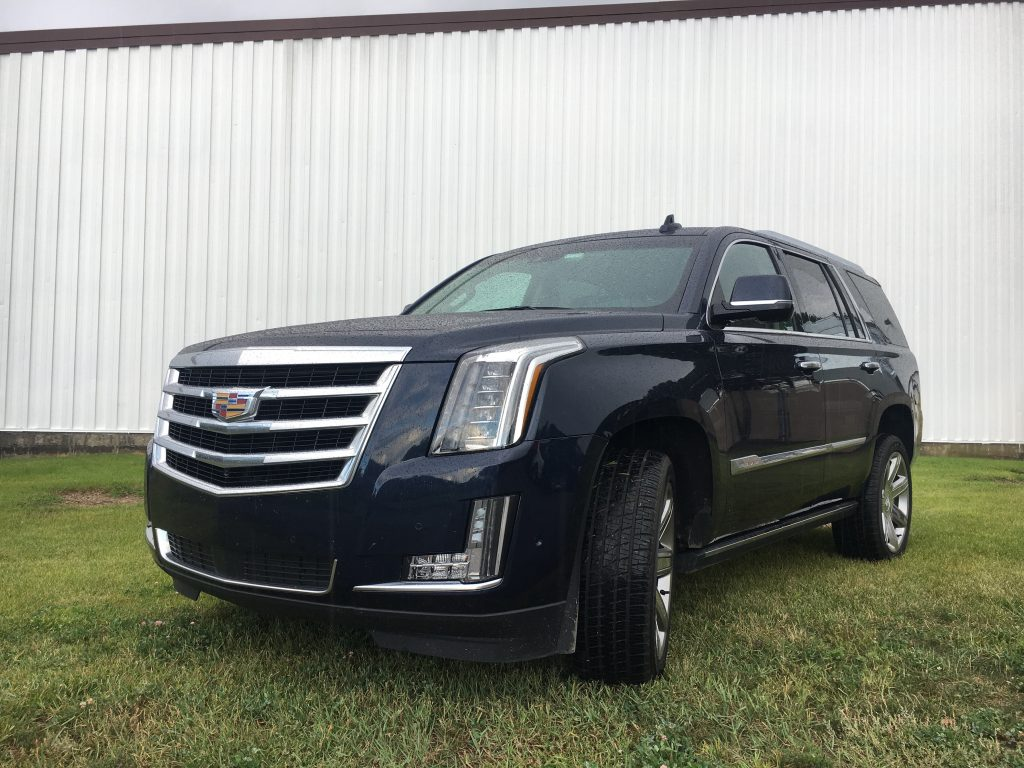 auto review 2017 cadillac escalade full size suv comes up. Black Bedroom Furniture Sets. Home Design Ideas