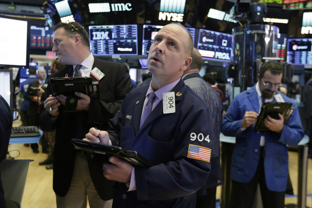 Tech stock tumble leads to down day on Wall Street