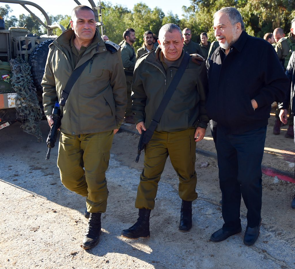 Right-wing Israeli minister harasses Palestinians visiting imprisoned relatives