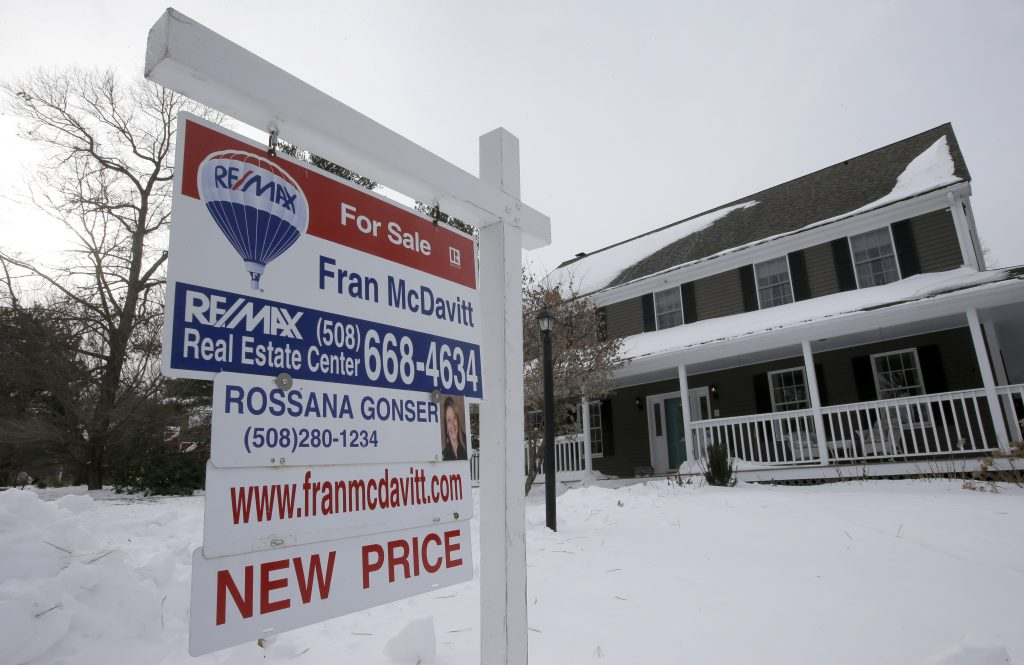 Existing-Home Sales Drop as Supply Continues to Fall