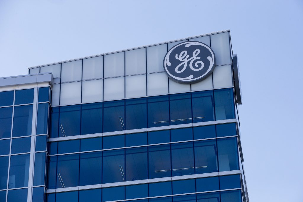 Frontier Investment Mgmt Company Holding In General Electric Corp (GE) Was Lifted