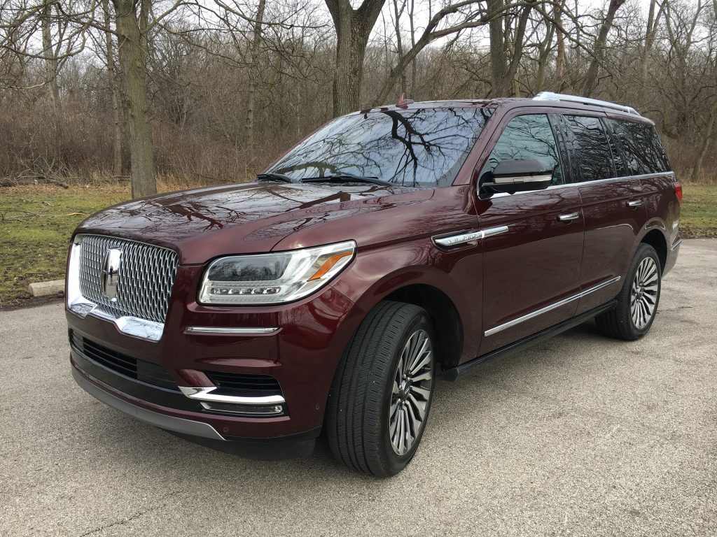 auto review 2018 lincoln navigator outdoes cadillac escalade as most refined family hauler. Black Bedroom Furniture Sets. Home Design Ideas
