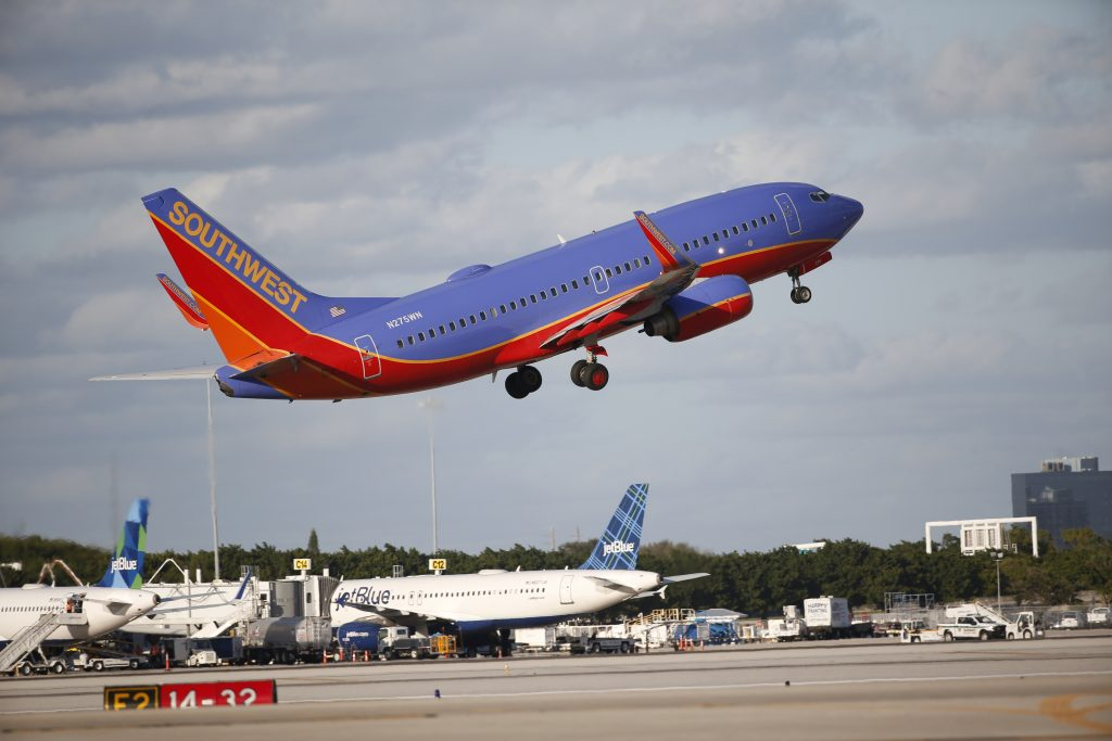 Southwest Airlines (LUV) Shares Gap Down on Analyst Downgrade