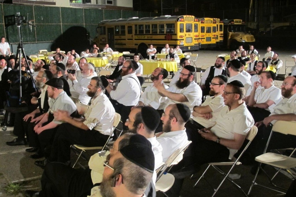 Members of the Mekimi cheer up squad, who sing for and entertain ill children, at their annual volunteers reunion Monday evening in Brooklyn. (JDN)