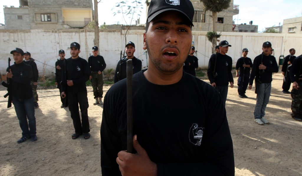Palestinian students take part in a training session organized by Hamas national security forces in Rafah, southern Gaza Strip, Wednesday. (Flash90)