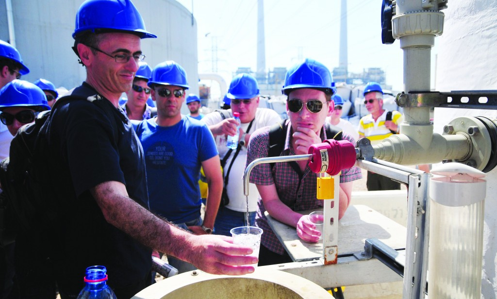 Sea water has been converted to drinking water at a desalination plant near Hadera. Now Israelis are bringing desalination know-how to America. (Flash90)