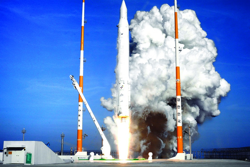 South Korea's rocket lifts off from its launch pad in Goheung, South Korea, yesterday. The U.S. ally launched a satellite into space from its own soil for the first time amid increased tensions after archrival North Korea accomplished a similar feat and was condemned by the United Nations. (AP Photo/Korea Aerospace Research Institute)