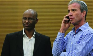 Two of the many new Knesset members: Elazar Stern (R) of the Hatnua party, with Yesh Atid MK Shimon Solomon, during orientation day for new MK's.  (FLASH90)