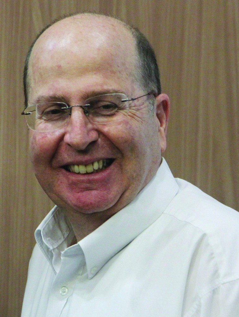 Vice Premier Moshe Ya'alon didn't deny Netanyahu offered Yacimovich the Finance Ministry. (Flash90)