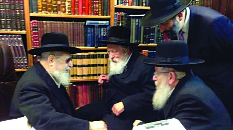 The Gerrer Rebbe, shlita, visited Hagaon Harav Ovadiah Yosef, shlita, last week to discuss burning issues facing Torah Jewry in Eretz Yisrael. L-R: Harav Ovadiah Yosef, the Gerrer Rebbe, MK Rabbi Yaakov Litzman, and Shas leader Rabbi Aryeh Deri (standing).