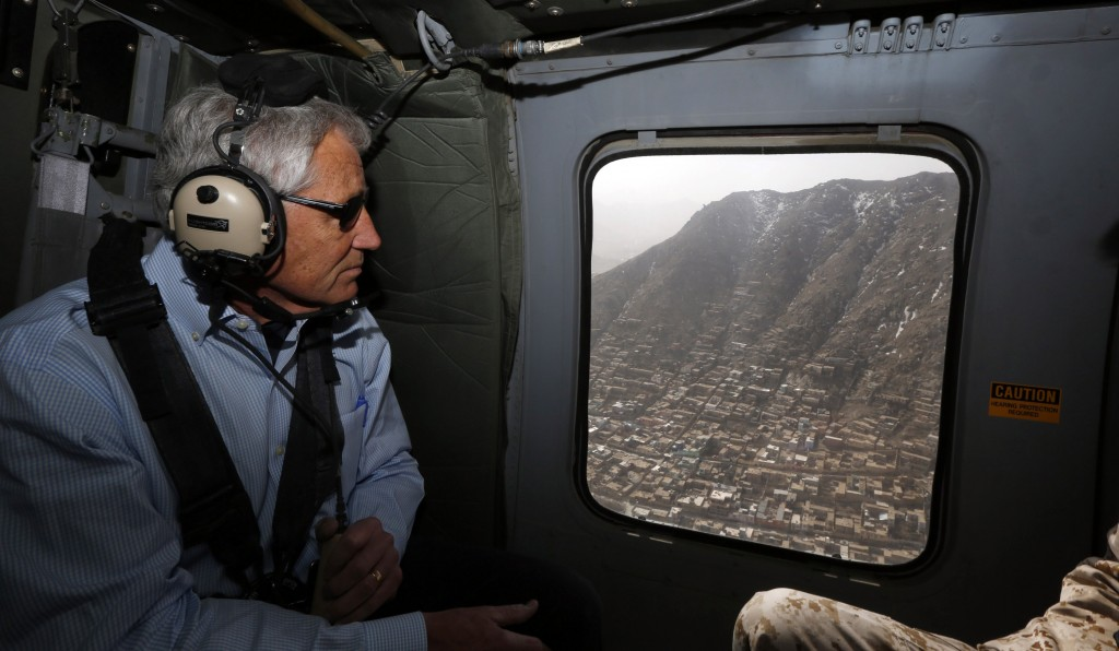 U.S. Defense Secretary Chuck Hagel flies over Kabul during his helicopter flight to Bagram Air Field. (REUTERS/Jason Reed)