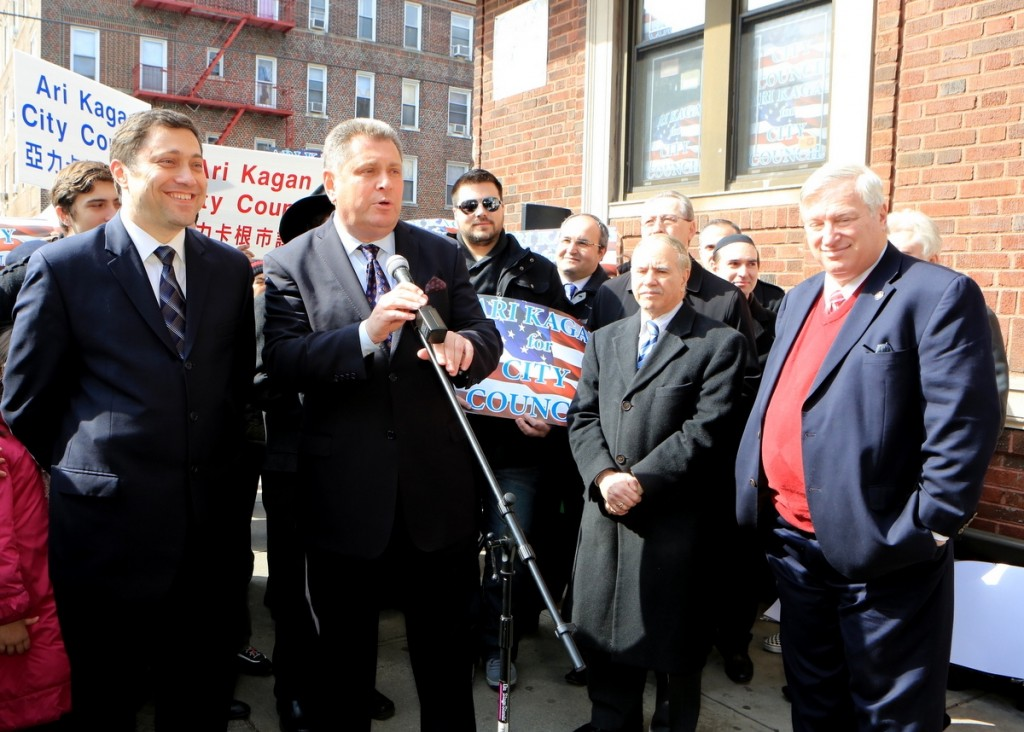 Assemblymen Alec-Brook Krasny on Sunday endorsing Ari Kagan (L).