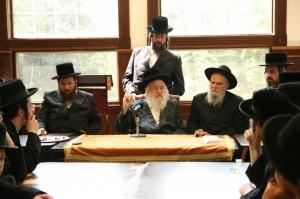 """Harav Shlomo Rothenberg with, ybl""""c, the Munkatcher Rebbe."""