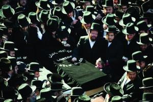 At the levayah in front of the Satmar shul on Rodney Street in Williamsburg. (AP Photo/John Minchillo)