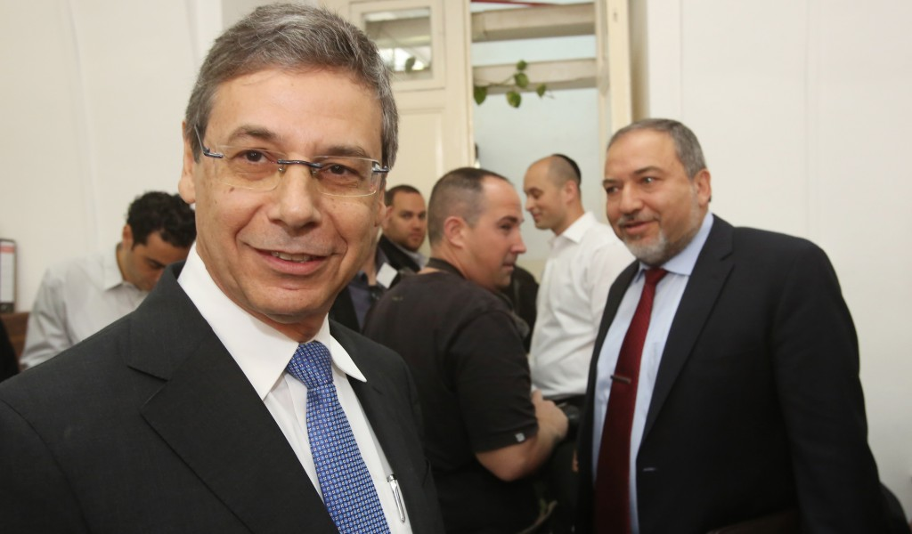 Former deputy foreign minister Danny Ayalon (L), a witness in the court case against former Israeli foreign minister Avigdor Lieberman (R), with the latter on Thursday. (Flash90)