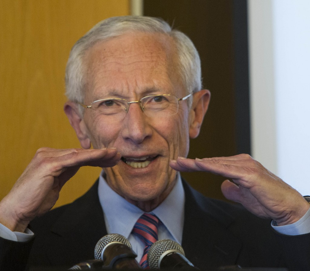 Bank of Israel Governor Stanley Fischer gestures during a recent press conference in Yerushalayim. (Flash90)