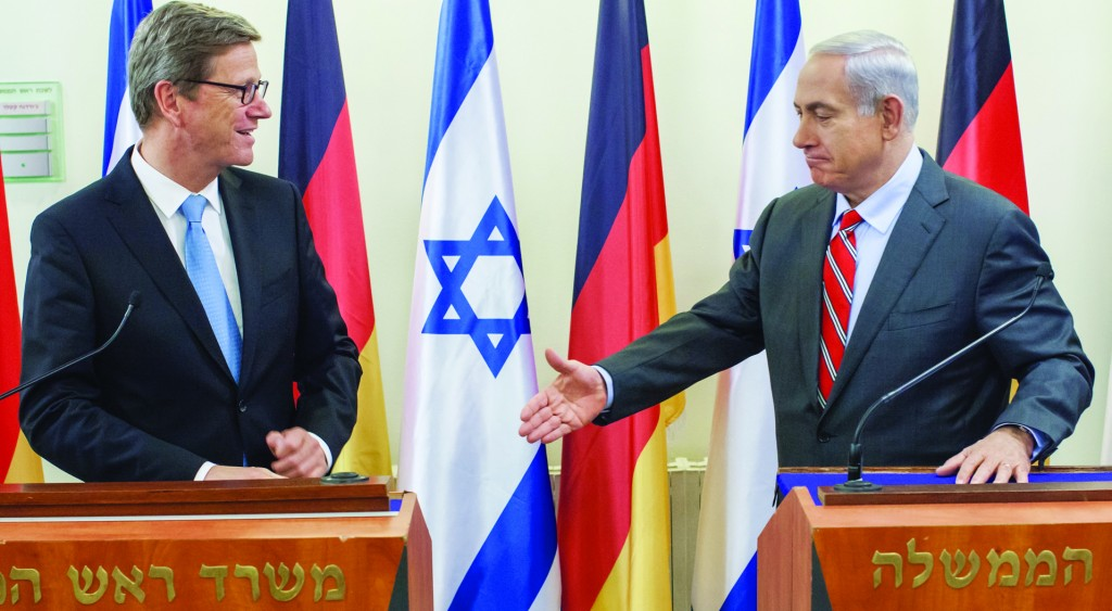 German Foreign Minister Guido Westerwelle (L) and Israeli Prime Minister Binyamin Netanyahu (R). (Flash90)