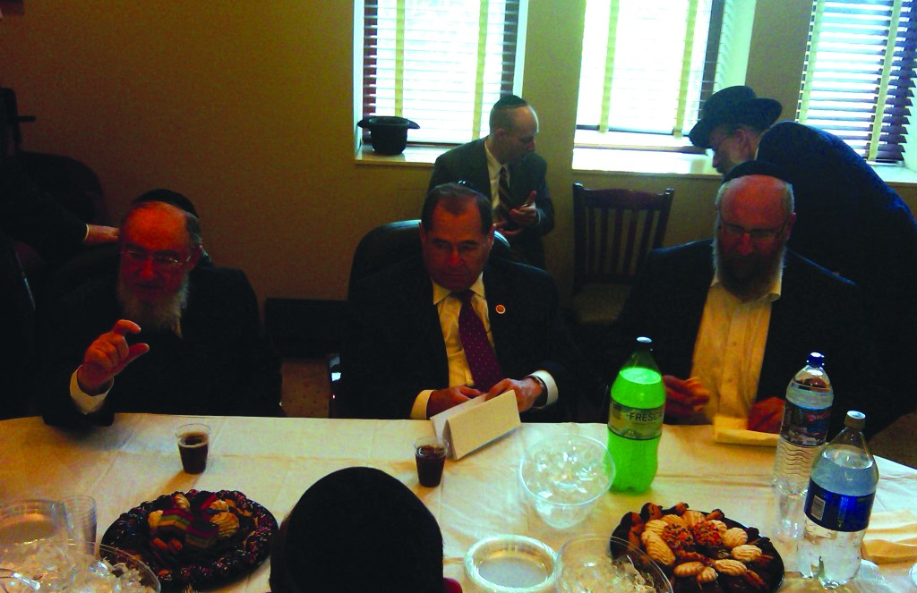 Rep. Jerry Nadler, flanked by Rabbi Yeruchim Silber of the BPJCC (R) and Dr. David Moskovits, president of the Endowment for Democracy in Eastern Europe, announcing the proposed legislation at the Avenue Plaza Hotel on Sunday.