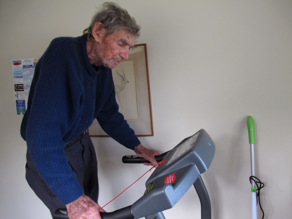New Zealand's oldest driver, Bob Edwards, works out on his treadmill at his home in Ngataki, New Zealand. (AP Photo/Nick Perry)