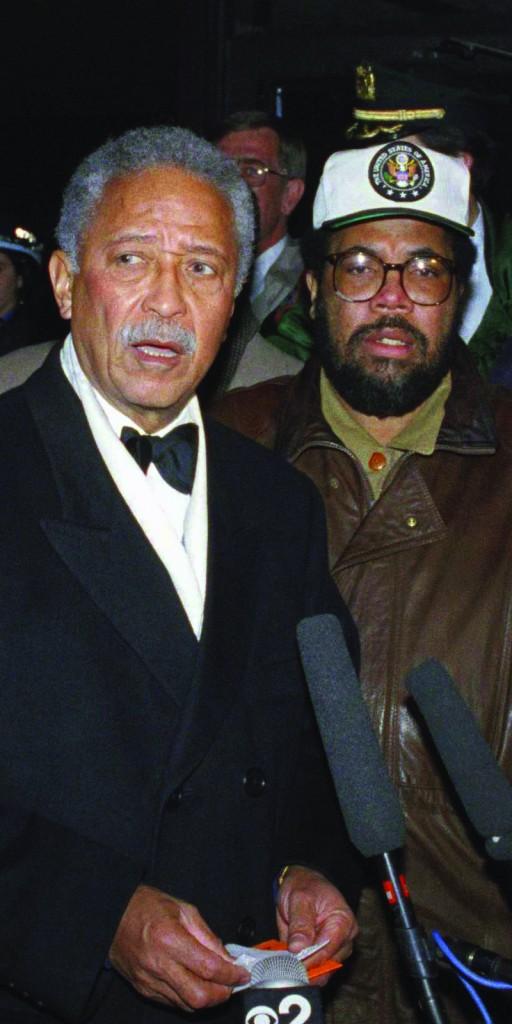 New York City Deputy Mayor Bill Lynch (R) with Mayor David Dinkins in December 1991. (AP Photo/Joe Major)