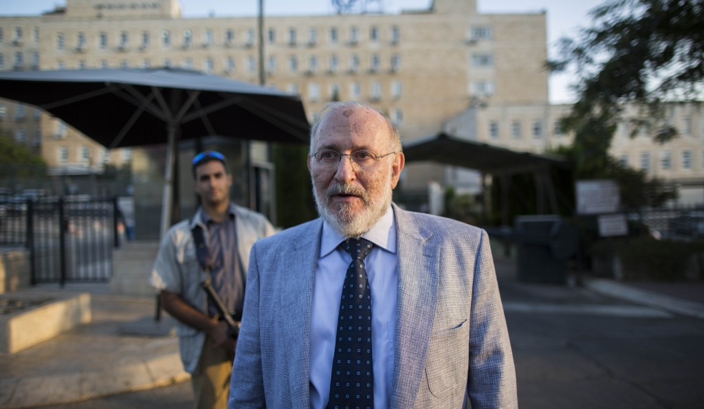 Professor Mario Blejer, former head of the Bank of Argentina, emerging from a meeting with the Turkel Committee, which interviewed him for the position of Governor of the Bank of Israel. (Yonatan Sindel/Flash90)