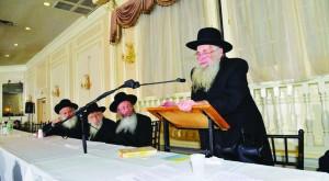 Harav Chaim Epstein, Rosh Yeshivah Zichron Melech addressing the event.