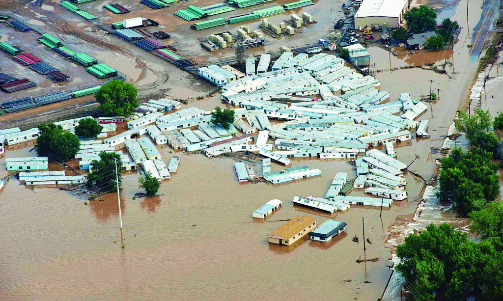An aerial view of mobile homes submerged in flood waters along the South Platte River near Greenley, Colorado. (REUTERS/John Wark)