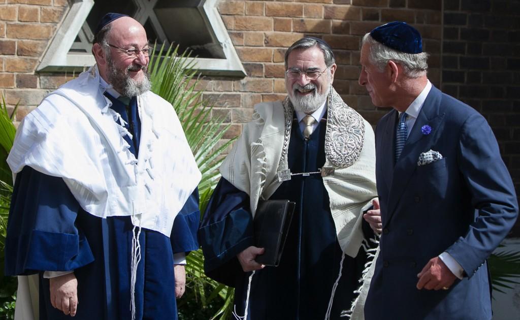Rabbi Ephraim Mirvis (Left), newly appointed Chief Rabbi of the United Kingdom, with his predecessor, former Chief Rabbi Lord Sacks. (Yakir Zur)